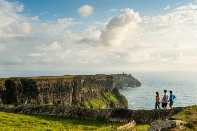 2. Tag: Cliffs of Moher